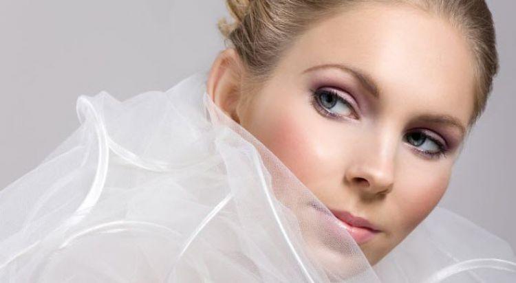 De Ce Sa Apelezi La Un Make Up Artist Pentru Machiajul De Nunta